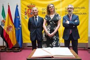 Los nuevos subdelegados del Gobierno en Cáceres y Badajoz toman de posesión de sus cargos