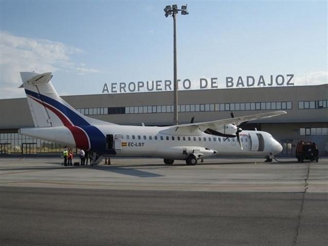 La Creex pide a Fomento ''acelerar la entrada en vigor'' de la Obligación de Servicio Público de los vuelos desde Badajoz