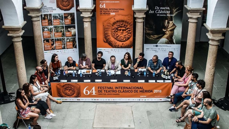 Leire Iglesias destaca la ''calidad y el buen estado de forma del teatro extremeño''