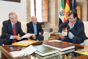 El presidente de la Junta solicitará al Papa Francisco la integración de Guadalupe en la Provincia Eclesiástica de Extremadura