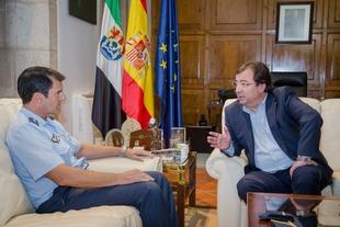Fernández Vara recibe al nuevo delegado de Defensa en Extremadura