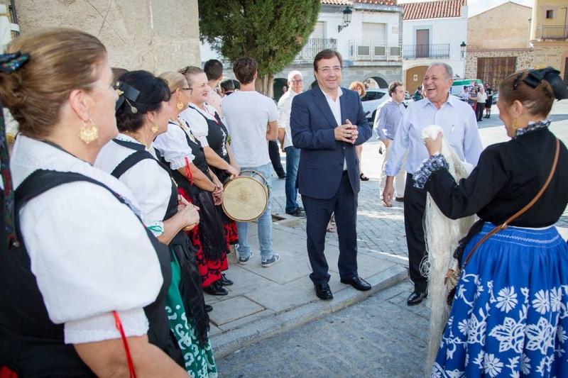 Vara inauguró la II Feria del Higo de Almoharín