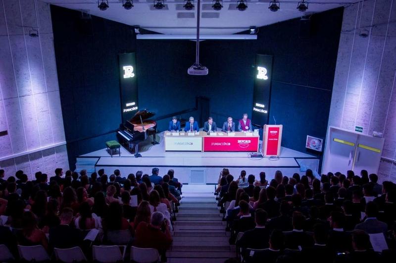 Vara destaca la contribución de la universidad al desarrollo de Extremadura en los últimos 35 años