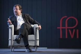Fernández Vara destaca la contribución social y política de la Iglesia Católica en la historia reciente de España