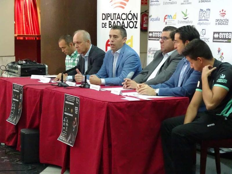 El director general de Deportes participa en la presentación oficial del Club Polideportivo MIDEBA Extremadura