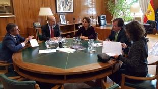 Vara aborda con la ministra para la Transición Ecológica la futura planificación energética de Extremadura