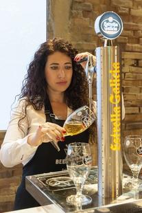 Estrella Galicia busca al Mejor Tirador de Cerveza entre los hosteleros de Extremadura