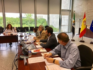 La consejera de Cultura e Igualdad preside la reunión del Consejo de Convivencia y Ocio
