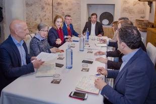 Vara se reúne con la Junta Directiva de ALTUP