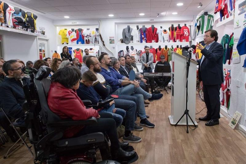 Fernández Vara destaca el papel clave que tiene el deporte para alcanzar la igualdad real entre mujeres y hombres