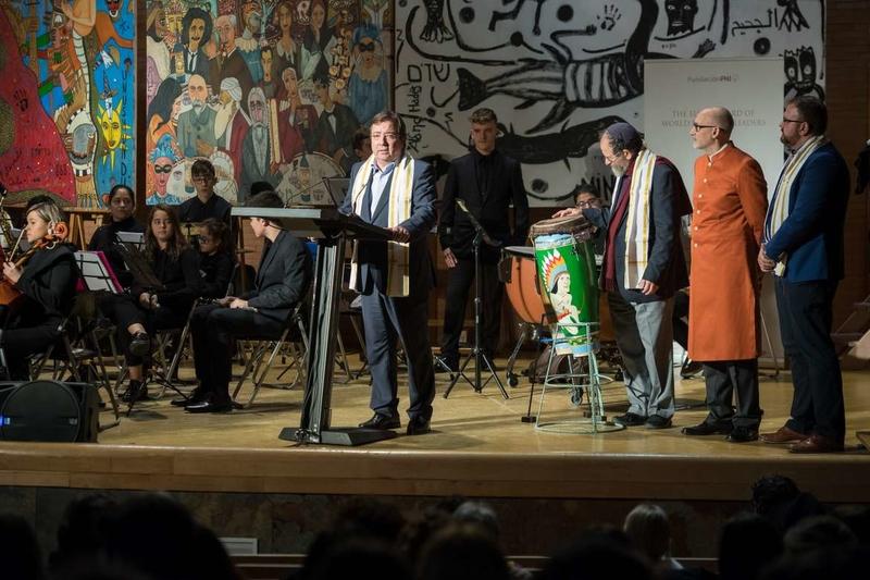 El presidente de la Junta de Extremadura asiste al Consejo de líderes religiosos de la Fundación Phi