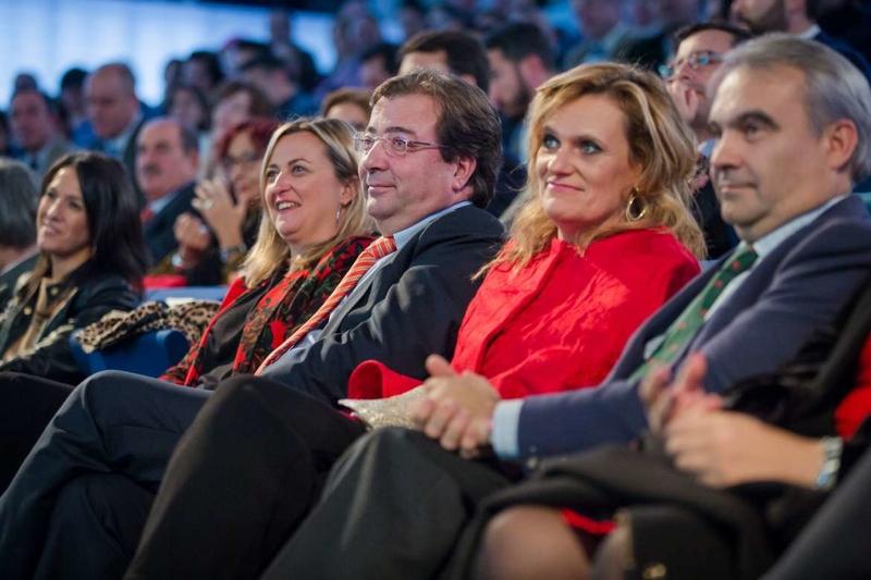 Fernández Vara participa en el acto institucional con motivo del XL Aniversario de la Constitución Española de 1978