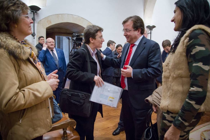 Fernández Vara apela al diálogo, los acuerdos y la ciudadanía frente al individualismo y los populismos