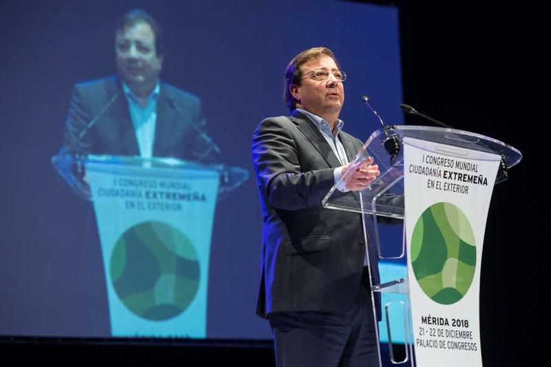 Fernández Vara asegura que la región necesita a los extremeños en el exterior para afrontar el futuro de manera conjunta