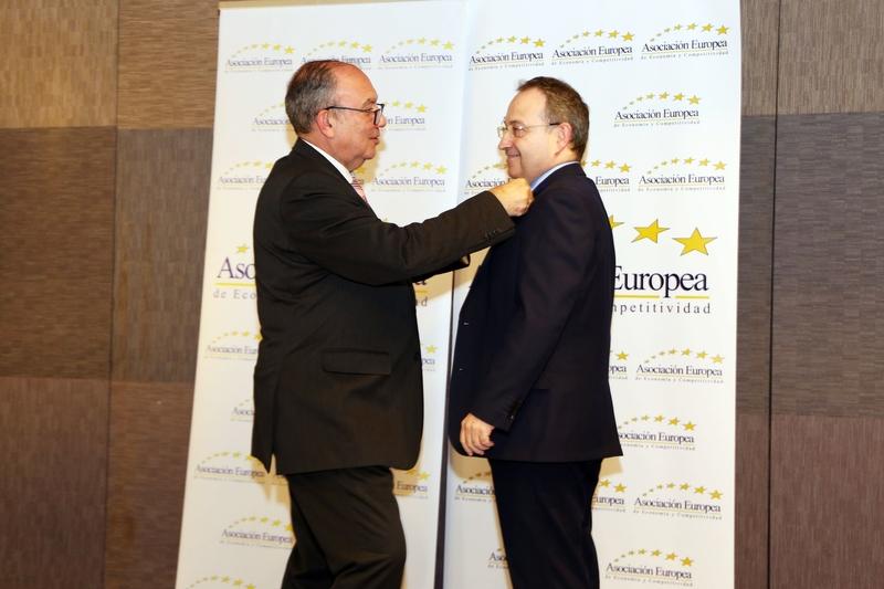 Jesús Cimarro recibe la Medalla de Oro Europea al Mérito en el Trabajo