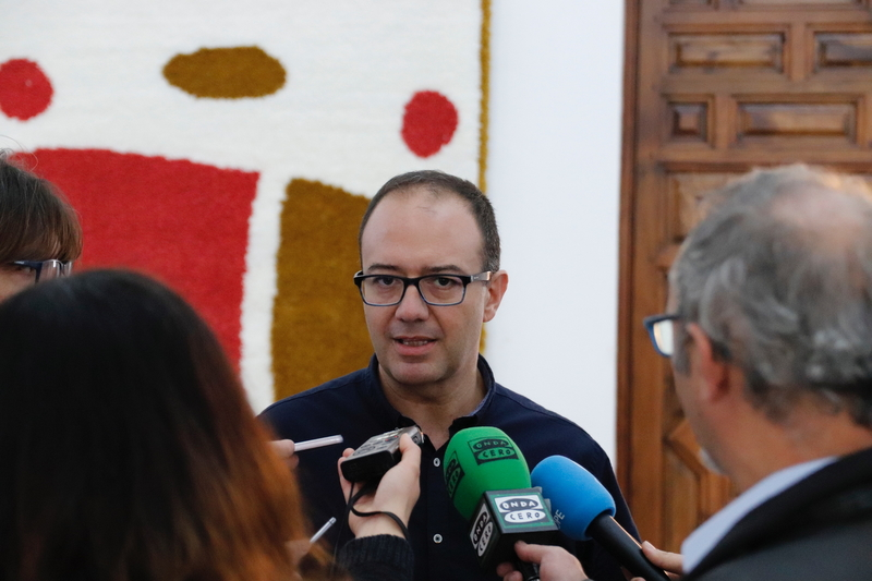 Cayetano Polo: ''Vara no defiende los intereses de los extremeños, solo se dedica a hacer de palmero de Sánchez''