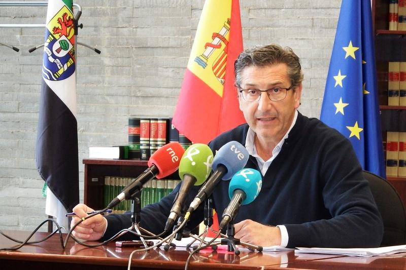 El paro registrado baja en 9.842 personas en Extremadura en 2018, en todos los colectivos