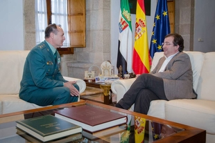 El presidente de la Junta se reúne con el general jefe de la Tercera Zona de la Guardia Civil en Extremadura