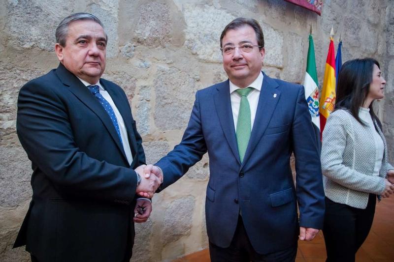 Fernández Vara espera que haya un ''gran acuerdo social y político'' sobre el futuro de la Universidad de Extremadura