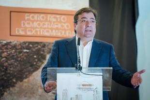 Fernández Vara considera necesario mantener los servicios públicos para fijar población en las zonas rurales