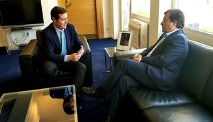 Fernández Vara se reúne con el presidente de la CEOE y representantes de la CREEX