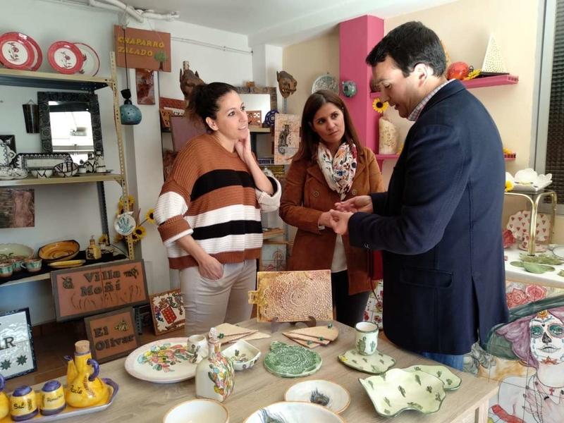 Gil Rosiña valora el esfuerzo de las pequeñas y medianas empresas en pro del desarrollo de los pueblos