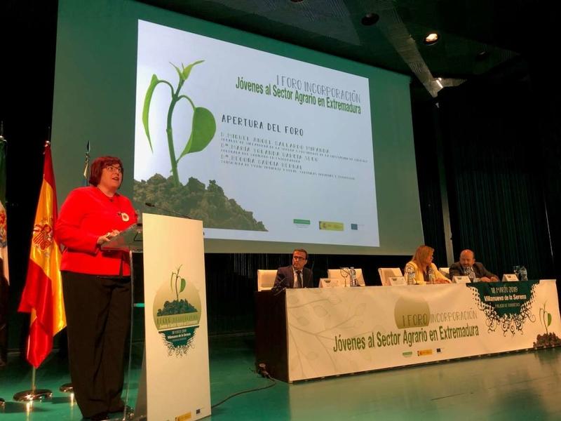 Begoña García resalta la importancia del relevo generacional del sector agroindustrial como motor de la economía extremeña