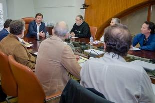 Fernández Vara traslada al comité de empresa de la CNA su compromiso con la actividad de la central hasta que no haya una alternativa para la comarca