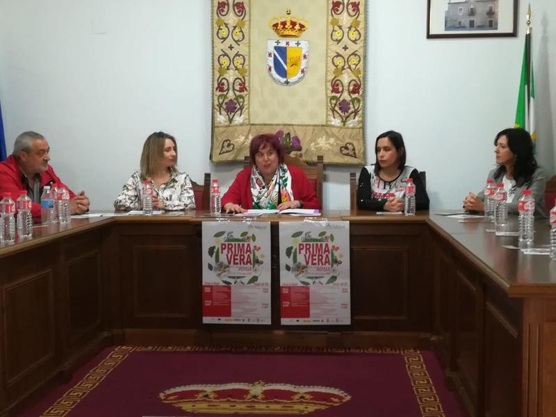 Begoña García asiste a los actos de la 'Primavera de la dehesa' en Zarza la Mayor