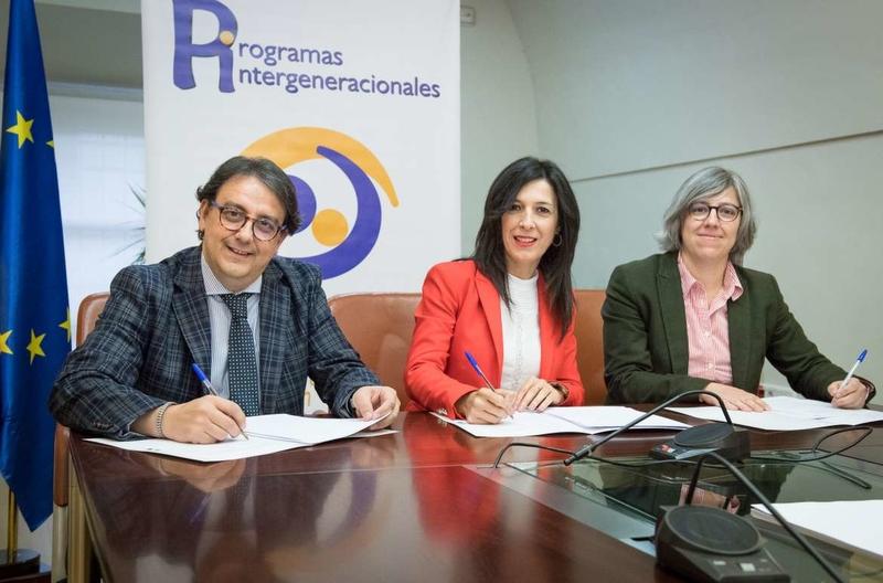 Sanidad, Educación y Cultura firman un protocolo para el desarrollo de programas intergeneracionales