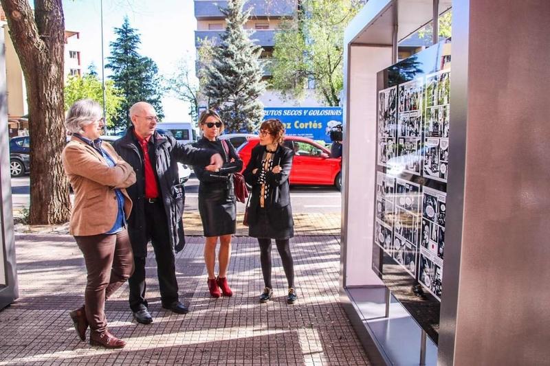 La consejera de Cultura visita las intervenciones artísticas de Cáceres Abierto 2019