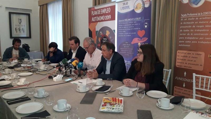 La Junta de Extremadura participa en la jornada de difusión del Plan de Autoempleo, promovida por CEAT-Badajoz