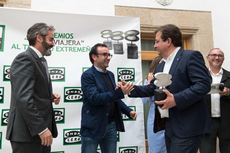 Fernández Vara apuesta por el trabajo conjunto de las administraciones y el sector para abordar el futuro del turismo
