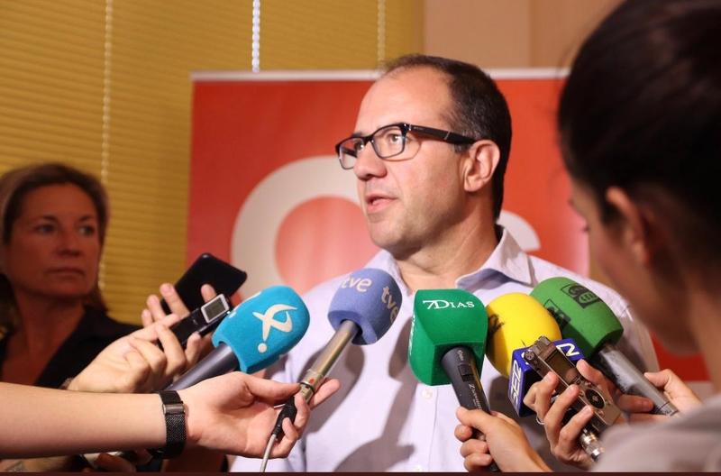 C's reúne a sus cargos electos para empezar a trabajar en el cambio que debe experimentar Extremadura para converger con el resto de comunidades