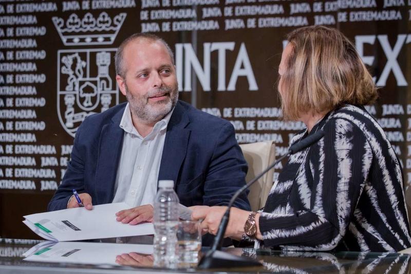 El Convento de las Freylas albergará la sede del Instituto de Arqueología de Mérida tras el convenio firmado en Presidencia de la Junta