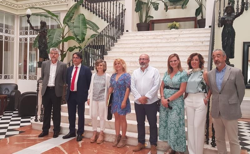 La Ministra de Sanidad, Consumo y Bienestar Social en funciones visita el balneario de Alange
