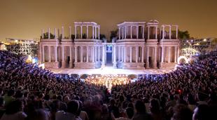 El Festival de Mérida celebra y agradece la concesión de la Medalla de Extremadura 2019