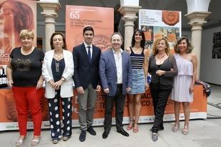 La compañía teatral canaria Antígona, formada por actores y actrices con discapacidad visual, participa en el Festival de Mérida