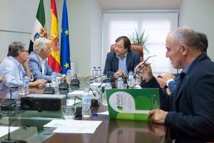 Vara recibe a representantes de las personas con discapacidad de Extremadura