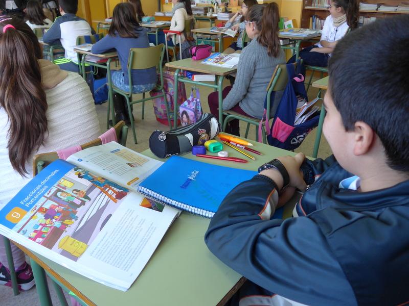 Educación concede casi 900.000 euros para dotar de libros de texto y material escolar a 68 centros concertados