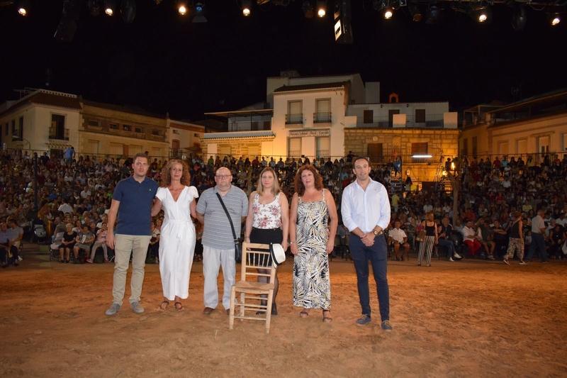 Homenaje a Miguel Nieto en el estreno del Alcalde de Zalamea