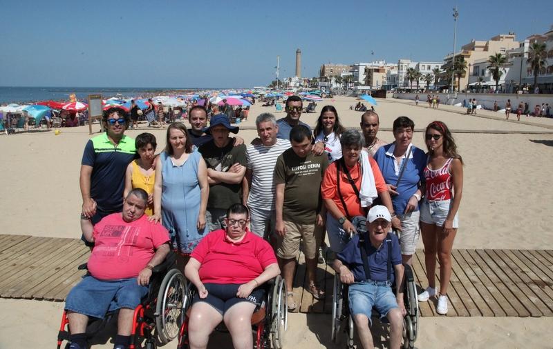 El protagonista del polémico video del presidente de la Diputación en la playa es un usuario de Plena Inclusión