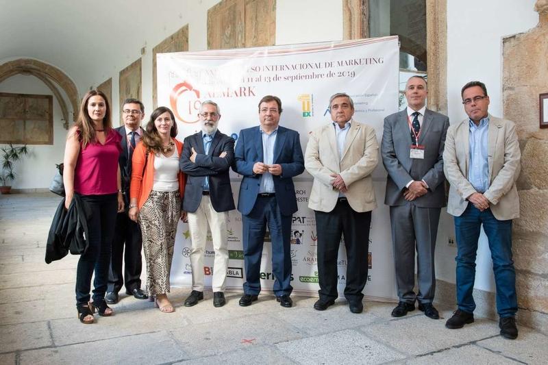 El presidente Fernández Vara afirma que la tecnología ha producido un profundo cambio en la vida de los ciudadanos