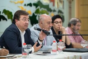 La Junta de Extremadura nunca ha pagado una entrevista al presidente Fernández Vara