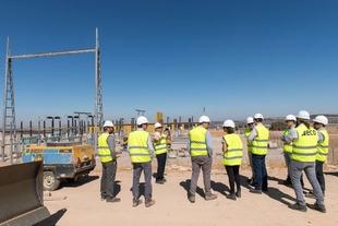 La consejera para la Transición Ecológica y Sostenibilidad visita la planta fotovoltaica Núñez de Balboa, en Usagre, que emplea a más de 1.200 persona