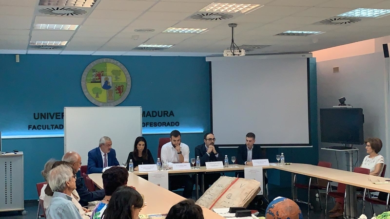 Nuria Flores destaca el papel de la cultura en el desarrollo de la memoria histórica y democrática