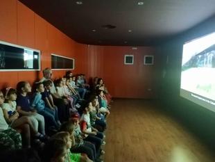 El director general de Patrimonio Cultural visita las actividades divulgativas en la Cueva de Maltravieso con motivo del Día Europeo del Arte Rupestre