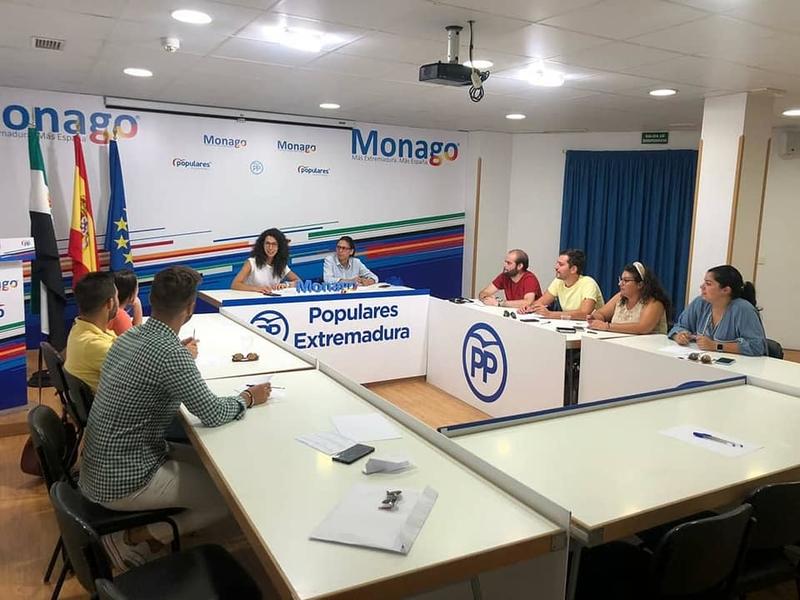 NNGG Extremadura se suma a la precampaña del PP iniciando contacto con colectivos y sumando iniciativas de futuro para los jóvenes extremeños