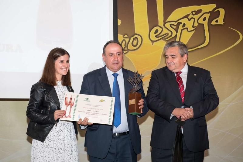 El presidente de la Junta valora el ''esfuerzo y el trabajo'' que se hace en la elaboración de productos agroalimentarios en Extremadura
