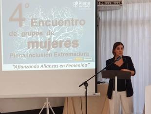 Gil Rosiña aboga por la inclusión para romper las barreras que sufren las mujeres con discapacidad intelectual
